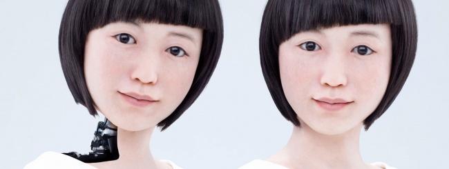 Casper e la pelle hi tech. I fantasmi della biomedica e la fonte della giovinezza, unite alla robotica.